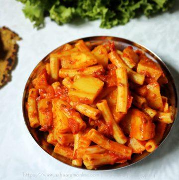 Sindhi Macrolyun Patata, a dish made with Macaroni and potato