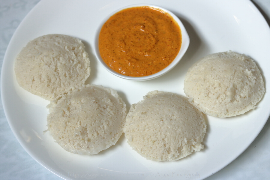 Soft, White Idli with Rice Rava