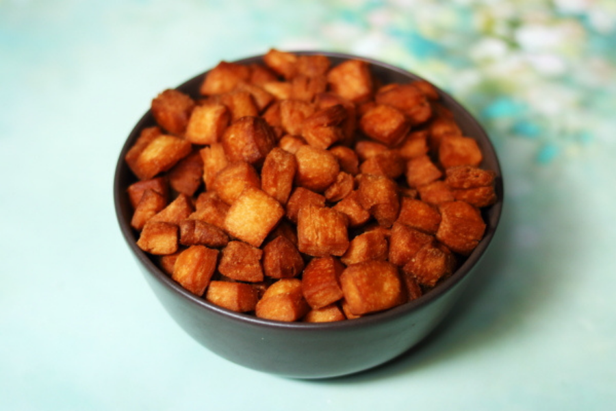 Shakkar Pare | Maida Biscuit
