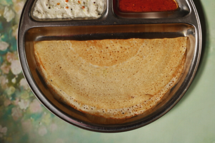 Unlike traditional dosas, Rice and Poha Dosa uses no lentils at all. This crisp and thin Indian crepe is the perfect light breakfast for people with kidney problems.