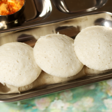 Rice and Poha Idlis are low calorie steamed dumplings made with rice and beaten rice or rice flakes.