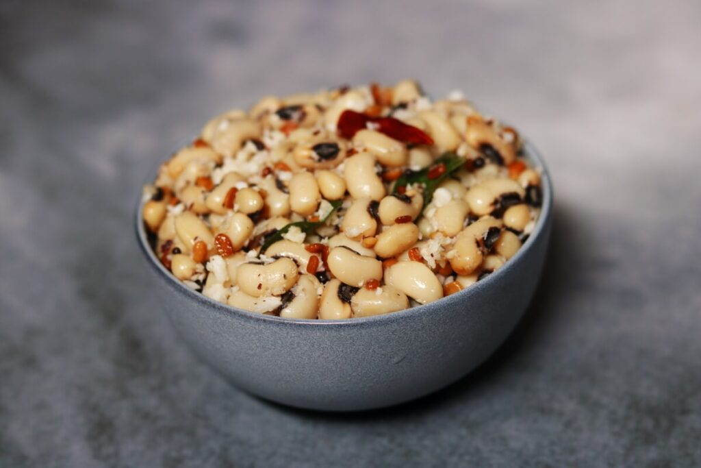 A Bowl of Karamani Sundal: Boiled and tempered black-eyed peas with grated coconut