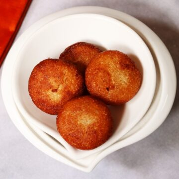 Rava Appalu | Sweet Suji Appam are deep-fried discs of sheera or semolina halwa