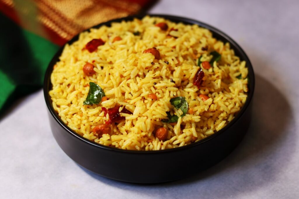 Ava Pulihora is an Andhra specialty where mustard paste is added to the classic tamarind rice